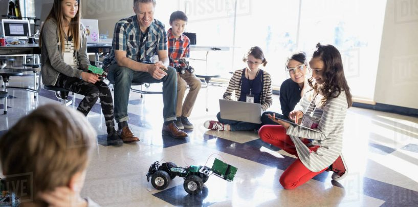 Why Do Schools Need to Invest in Robotics Program?