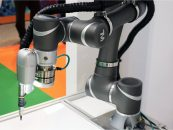 Key Advantages That Robots Offer To Injection Molding