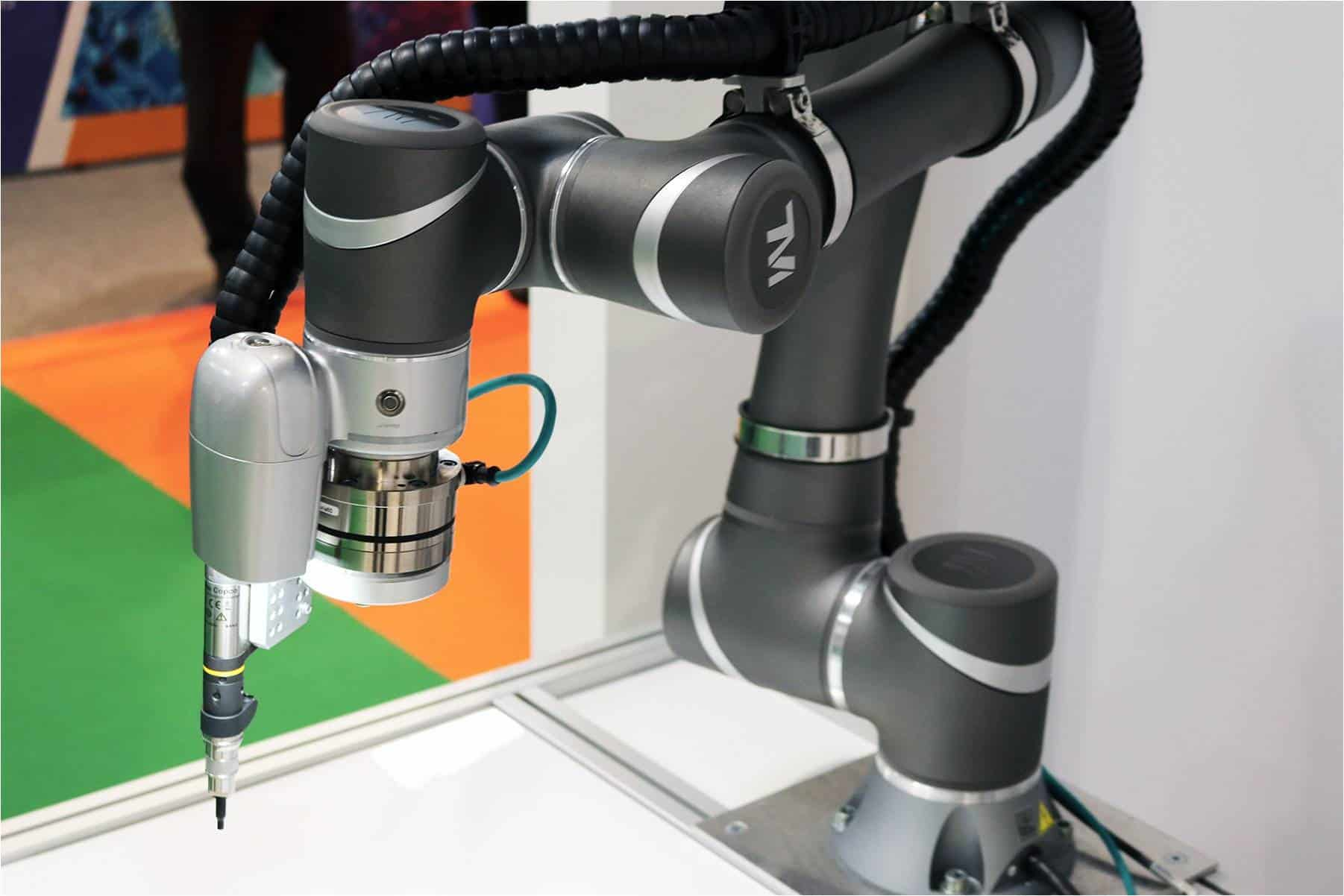 Robots in Injection Molding